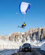 Michele Alì con vela Snowkite su Maserati Levante Trofeo